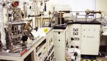 Noble-gas mass spectrometer for K-Ar dating
