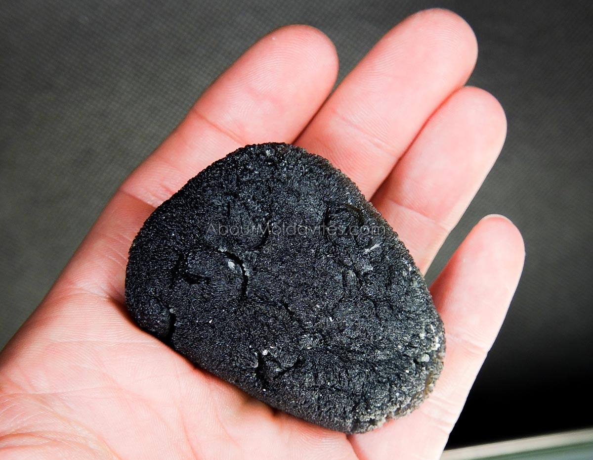 Large moldavite - 296.6ct