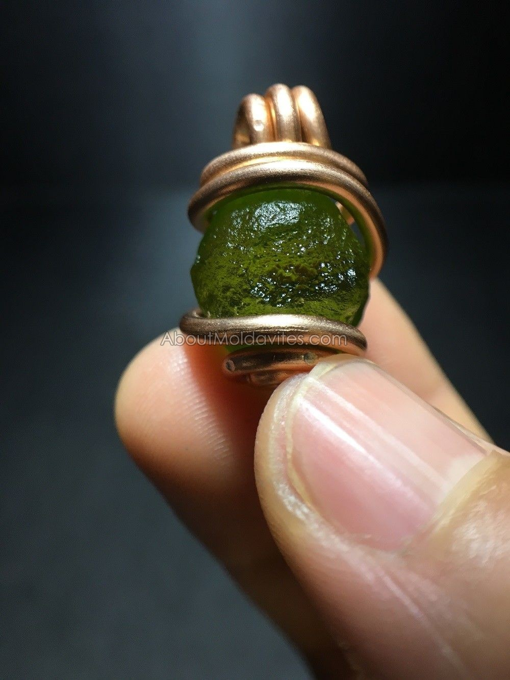 Fake moldavite